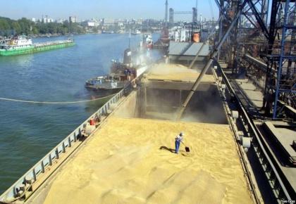 Порт Азов надеется и в этом году на хлебе насущном поднять грузооборот