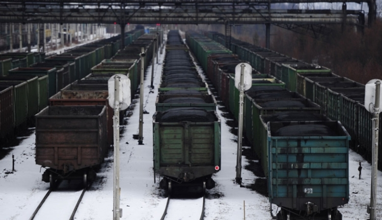 Нажелезной дороге вКузбассе возникла пробка изпоездов