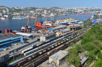 Над железной дорогой и морскими портами «сгустился бюджет». Ожидаются миллиардные осадки