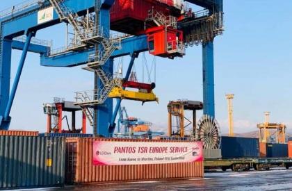 «Трансконтейнер» рискнул и организовал «опасный сервис» из Кореи в Польшу