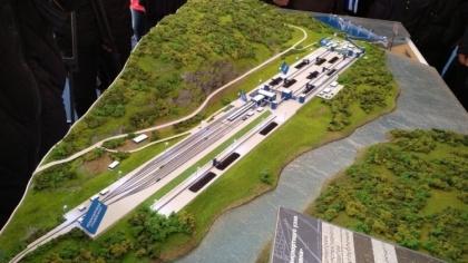 Минтранс предлагает перетасовать финансирование, чтобы «дотянуть» до «Лавны» железную  дорогу
