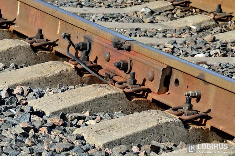 Разобравшего наметаллолом два километра железной дороги мужчину задержали кемеровские полицейские