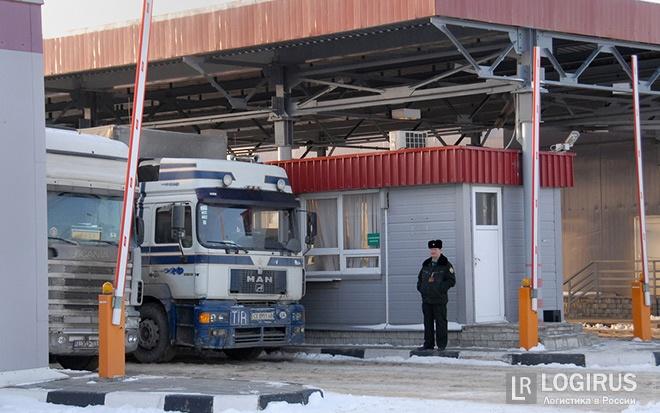 Кабмин ограничил список пунктов пропуска для транзита санкционных товаров из РФ