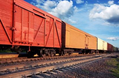 Грузовые вагоны на железной дороге «тормозят», но статистику это сильно не портит