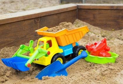 «Игрушечный» экспорт: Ближнее зарубежье играет в песочнице с российскими машинками и  совочками