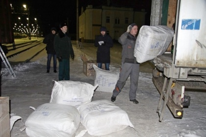 Ленинградские таможенники задержали два вагона контрабанды. А вам слабо?